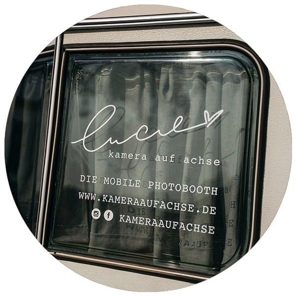 Lucie | mobile Fotobox im Caravan in Köln, NRW und deutschlandweit