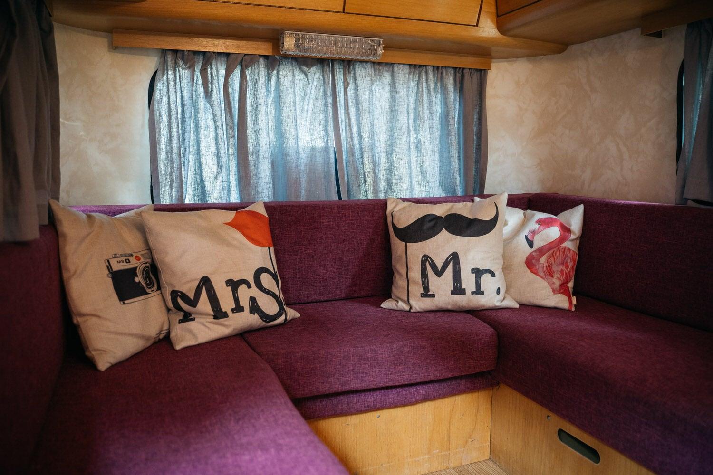 "Unsere mobile Fotobox im Caravan ""Lucie"" - Sitzecke"